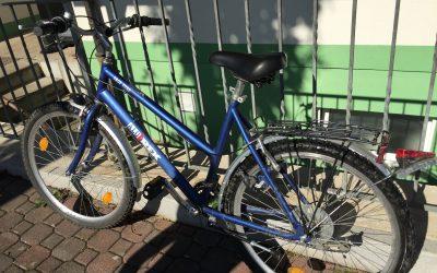 Fahrräder können über Nacht gestohlen oder beschädigt werden